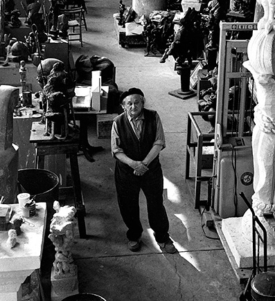 Jacques Lipchitz At his art studio, 1967 Copyright John Swope Trust / MPTV